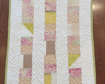 Doll's quilt - Pink plants