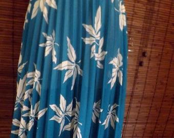 Vintage Semi Sheer Turquoise Leaf Print Boho Pleated Midi Swing skirt M