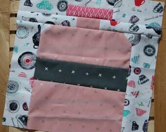 Easy Peasy Wonderland Drink me blocks pattern by Nellie's Niceties