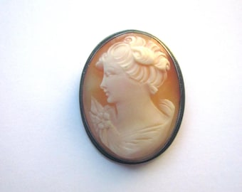 Sterling Shell Left Facing Cameo Brooch Pendant Carved Shell