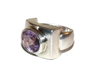 Beautiful Mid Century Sterling Silver Ring with Oval Faceted Amethyst Stone Bezel Set in Modernist   Style