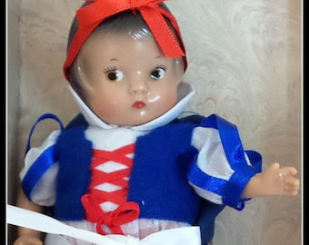Snow White  Patsyette  Effanbee Doll
