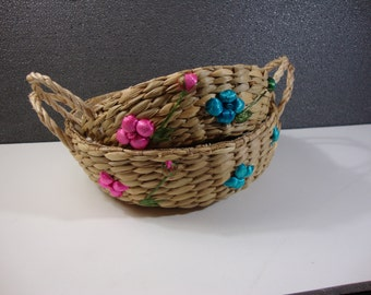 Pair of Matching Casserole Carriers Colorful Vintage Woven Straw Food Baskets
