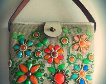 Fab Enid Collins of Texas designer bucket bag JEWEL GARDEN ~ cute dinky size bejewelled flower purse handbag~ white leather trim mid century