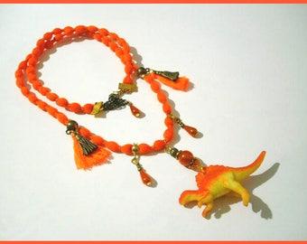 "Dinosaur necklace orange ""un soir Spinosauridae"""