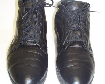 Vintage 80s Oxford Ankle Lace-up Granny Flat Boots Size 7 Leather Danexx \/ Black