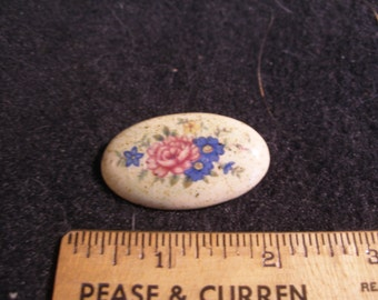 Hand Painted Porcelain Brooch(567)