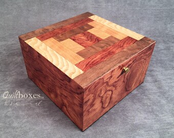 Courthouse Steps Keepsake Box by Quiltboxes