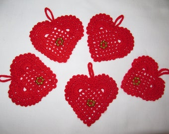 Christmas red crochet hearts 5
