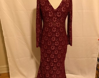 Womens Burgundy lace Prom Evening  Dress. Size Medium 8-10