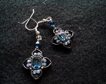 Small dangle earrings | blue | women | fashion | sapphire | heart | star
