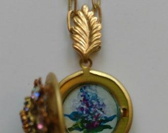 Crystal embellished hydrangea locket
