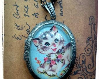 vintage style kitten cameo locket