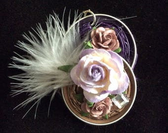 Necklace in organza, charm in aluminium with flowers and poultry