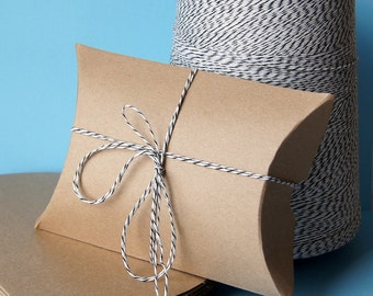 50 Medium Kraft Pillow Boxes for Treats, Packaging & Gift Wrap . 4.5 x 4.5 x 1.5 inches