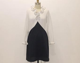 "Vintage 60s Mod Mini Dress | Ruffled Collar | Black - White | 28"" Waist"