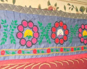 Grande vente!!! Soie Vintage OUZBEK SUZANI Zardevor fait à la main broderie sur tissu de soie (460 x 55 cm 181 x 22 pouces)