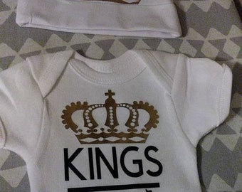 Crown gold Kings are born in January February March April May June July August September October November December