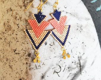 Beadwoven earrings, dangle earrings, salmon earrings, white gold.