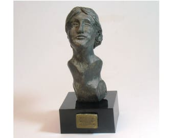 Virginia Woolf in the Bloomsbury years - hydrocal plaster with bronze patina