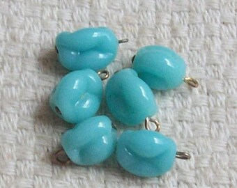 SALE - Vintage Glass Japanese Pinched Sea Foam Color Beads - 9 x 7 mm - Set of 6