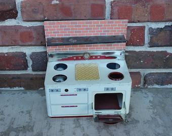 vintage tin metal stove oven range toy kitchen appliance vintage toy kitchen tiny kitchen