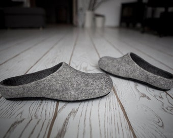 Felted men slippers Boyfriend gift Light dark grey house shoes Natural wool clogs Eco friendly gift for him Wool clogs Father's day gift
