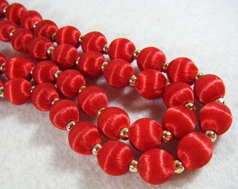Vintage 60's Red Beaded Necklace