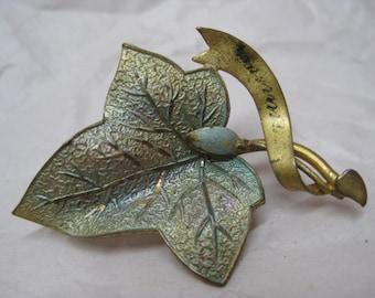 Leaf Green Gold Brooch Enamel Vintage Pin