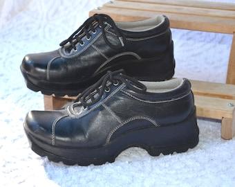 1990s Steve Madden Chunky Lace Ups | Black Leather Platform Shoes. Retro 90s Grunge Shoes. Platform Lace Up Shoes. 90s Street Wear | Size 7