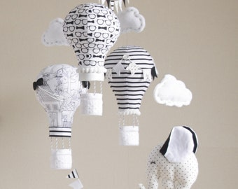 HOT AIR BALLOON Baby Mobile with little elephant, Black & White