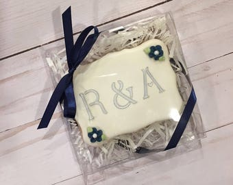 Boxed Wedding Favors, Personalized Wedding Cookies, Wedding Favor for Guests - 6 Favors