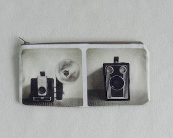 Zipper pouch - Makeup bag - Cosmetic bag - Travel pouch - Pencil case  - Vintage cameras - Accessories bag