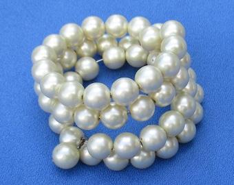 Vintage White Faux Pearl Wire Wrap Bracelet Small Size