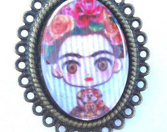 Brooch Frida Kahlo doll bronze green and pink cabochon 18 x 25 mm  / frida doll mexican fabric frida pattern sudamerican style