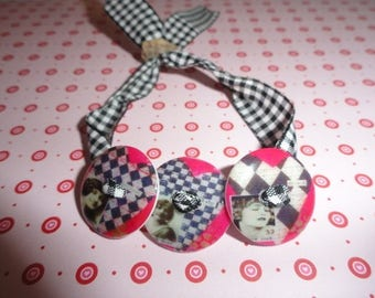 """Bracelet 3 buttons shown """"CHECKERBOARD hearts"""" with resin"""