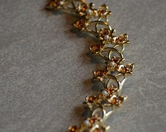 Coro Faux Pearl Amber Rhinestone Gold Tone Vintage Link Bracelet