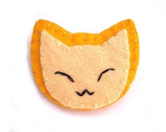 Ginger cat button, felt brooch, kawaii jewelry, smiling cat, happy cat, pinback button, yellow cat, golden kitty, harvest gold felt, orange