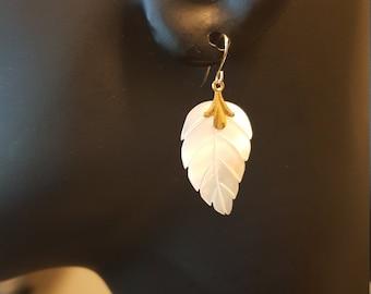 14K Gold Dangle Earrings, 14k, Mother of Pearl, Vintage Earrings, MOP 14k Earrings, Carved leaf