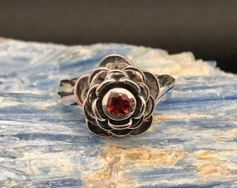 Rose Ring // Silver Rose Ring // Rose Ring with Garnet // 925 Sterling Silver // Size 7
