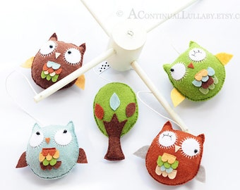 Woodland Owl Baby Mobile, Woodland Color, Woodland Nursery Decor, Woodland Baby Shower, Owl with colorful Feathers