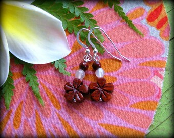 Hawaii Plumeria Floral Earrings - Wood Natural Three 3 Flowers - Gift Birthday Daughter Wife Mother Mom Sister Cousin Bride Bridesmaids