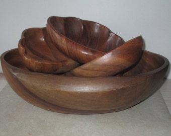 Vintage Large Wooden Salad Bowl with 4 Smaller Salad Bowls ~ Salad Bowl ~ Serving Bowl ~ Chip Bowl