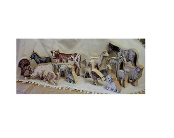 Farm animals in wood - 17 pieces