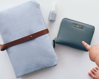 ILLY AND MOMMY nappy clutch / nappy wallet - light blue