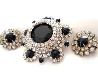 Juliana Brooch and Earring Set DeLizza & Elster Juliana Jewelry Black and Clear Rhinestone Brooch and Clip Back Earrings Vintage