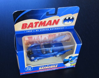 Corgi Batman 1960's DC Comics Batmobile BMBV2 1:43 scale Series 77320