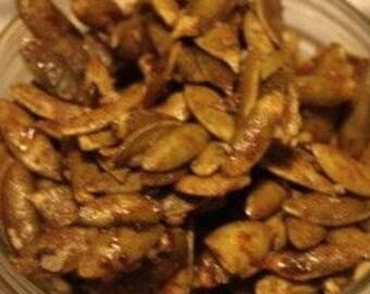 Vegan pumpkin seeds and sesame crunch