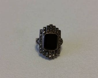 Deco Onyx Marked Sterling Silver Marcasite Ring (E215)