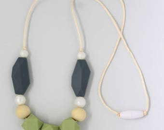 Thea Green Tea Silicone Teething Necklace
